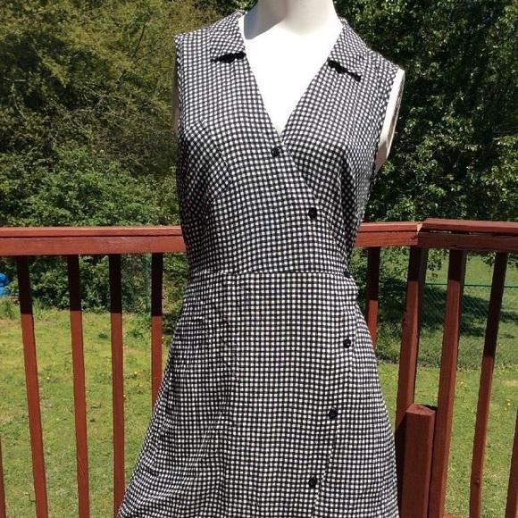 Anthropologie Dresses & Skirts - Anthropologie cross-snap checkered dress